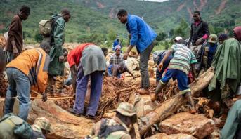 """موزمبيق.. تواصل عمليات الإنقاذ بعد إعصار """"إيداي"""""""