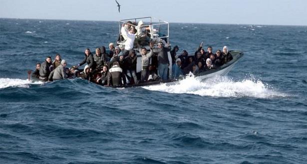 مصرع 3 مرشحين للهجرة السرية وفقدان18 آخرين إثر غرق قارب بعرض السواحل الإسبانية