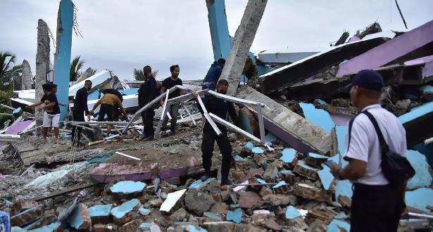 إندونيسيا.. ارتفاع عدد ضحايا الزلزال إلى 77 قتيلا