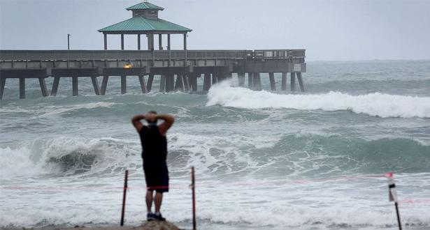 Tempête Isaias: au moins 7 morts et des millions privés d'électricité aux Etats-Unis