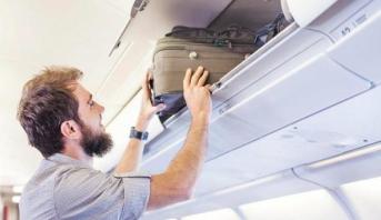 إيطاليا تحظر على ركاب الطائرات استخدام مقصورة الأمتعة فوق المقاعد