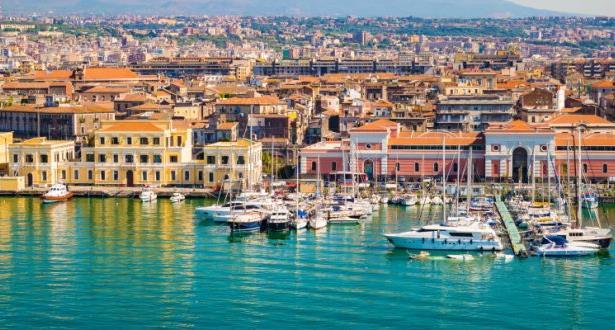 منازل للبيع في مدن إيطالية مقابل أورو واحد
