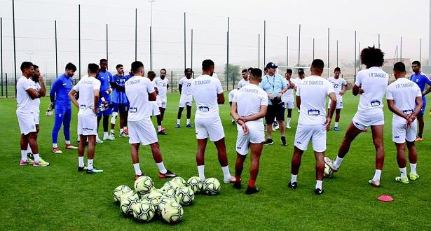 بعد إصابة 16 لاعبا بكورونا .. الجامعة تؤجل مباراة اتحاد طنجة ونهضة بركان