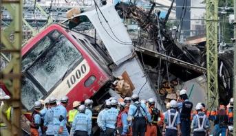 اليابان .. سقوط قتيل و30 جريحا في تصادم قطار وشاحنة قرب طوكيو
