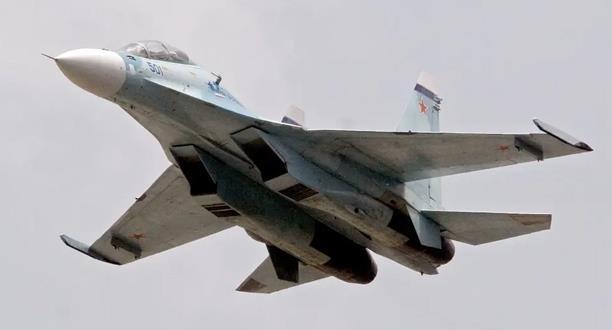 """واشنطن .. مقاتلة فنزويلية لاحقت """"بعدوانية"""" طائرة استطلاع أمريكية"""