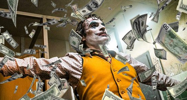 """فيلم """"الجوكر"""" على عتبة كسر حاجز المليار دولار في الإيرادات العالمية"""