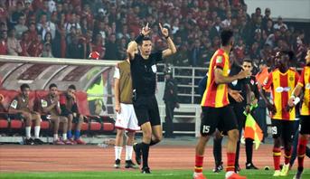 حكم مثير للجدل يقود مباراة إياب الترجي وأولمبيك آسفي في كأس محمد السادس