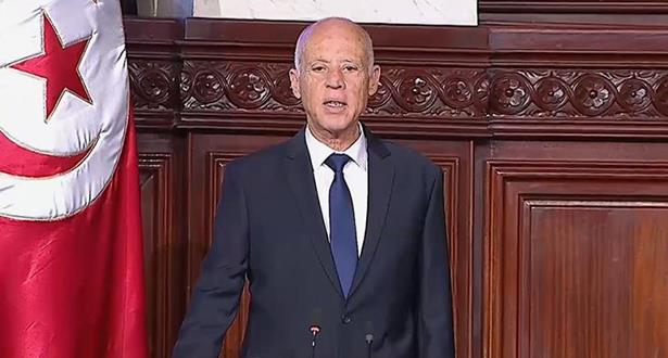 Tunisie: le président Saied gèle les travaux du Parlement, démet le chef du gouvernement