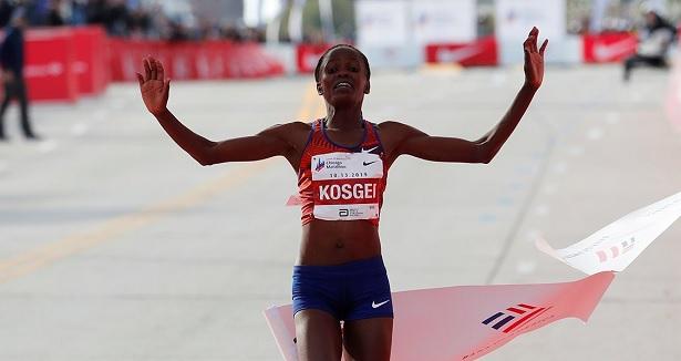 Marathon: la Kényane Brigid Kosgei pulvérise le record du monde féminin