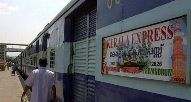 مصرع أربعة مسافرين داخل القطار بسبب حرارة الجو بالهند