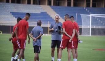 """خليلوزيتش يستدعي لاعبا جديدا للمشاركة رفقة """"الأسود"""""""