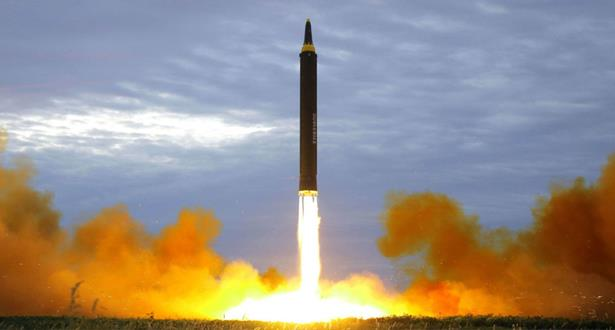 """كوريا الشمالية تطلق """"مقذوفا"""" غير محدد"""
