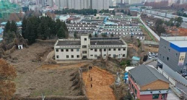 العثور على رفات 40 جثة مجهولة الهوية في موقع سجن قديم بكوريا الجنوبية