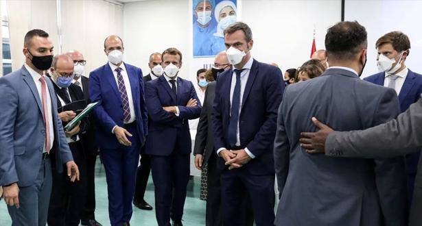ماكرون يقول إن الأطراف اللبنانية التزمت بتشكيل الحكومة خلال أسبوعين