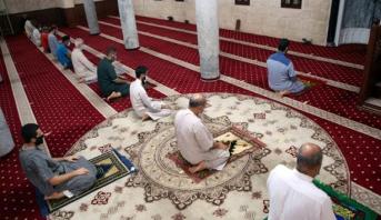 ليبيا تعيد فتح المساجد بعد إغلاقها بسبب تداعيات كوفيد-19 لنحو 7 أشهر