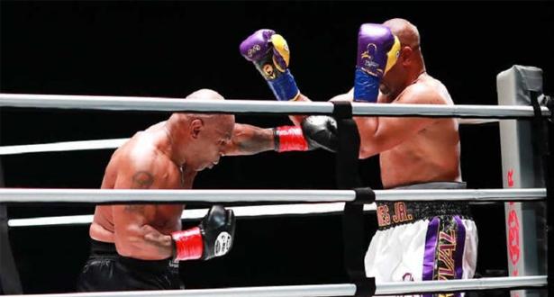 بعد 15 عاما من اعتزاله .. الملاكم تايسونيتعادل مع مواطنه روي جونز