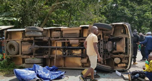 23 قتيلا في اصطدام حافلة لنقل الركاب بشاحنة في مالي