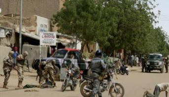 حكومة مالي: عدد ضحايا هجوم وسط البلاد بلغ 35 قتيلا عوض 95 قتيلا