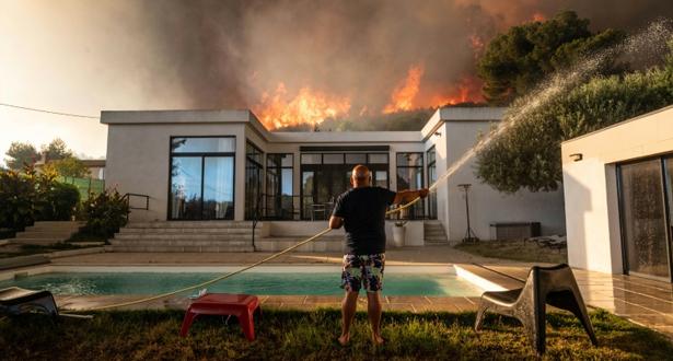 إجلاء 2700 شخص بسبب حريق ضخم تم تطويقه في مرسيليا