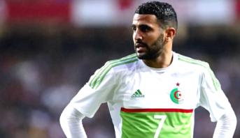 نجم المنتخب الجزائري يرد على تصريحات بنعطية