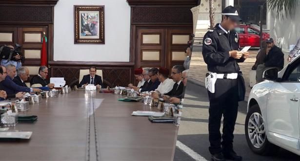 مجلس الحكومة يصادق على تعديلات تهم مدونة السير على الطرق