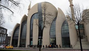 إخلاء ثلاثة مساجد في غرب ألمانيا إثر تلقيها تهديدات