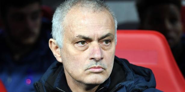 """Angleterre: Mourinho ne s'attend pas à des montants de transferts """"fous"""""""