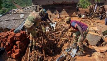 """رئيس موزمبيق: عدد قتلى الإعصار """"إيداي"""" تجاوز 200"""