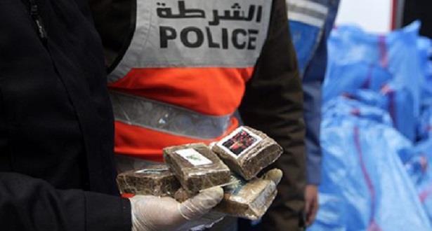 الناظور .. فتح بحث قضائي لتحديد المتورطين في محاولة تهريب طنين و 380 كيلوغرام من مخدر الشيرا