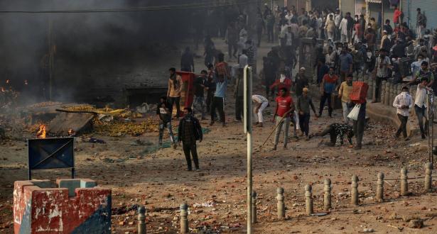 العنف الديني في نيودلهي .. ارتفاع حصيلة القتلى إلى 33