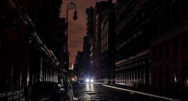 موجة الحر: انقطاع الكهرباء عن آلاف السكان في نيويورك منذ الأحد