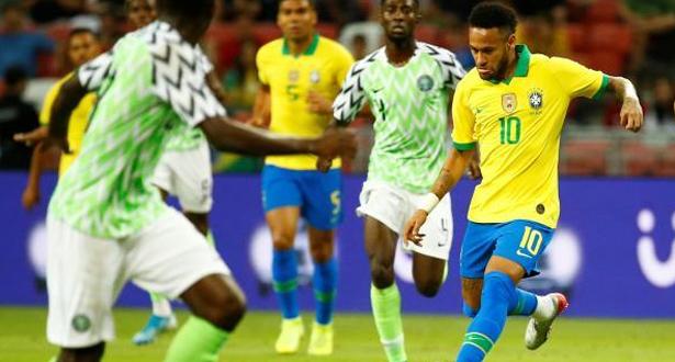 نيمار يخرج مصاباً من مباراة بلاده أمام نيجيريا