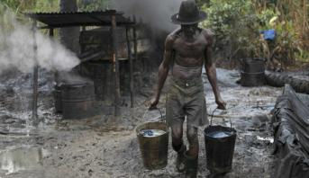 ماذا يحصل لبراميل النفط في نيجيريا؟