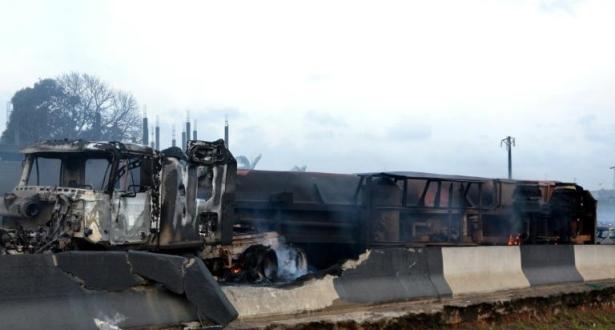 Nigeria: au moins 12 morts dans l'explosion d'un camion-citerne