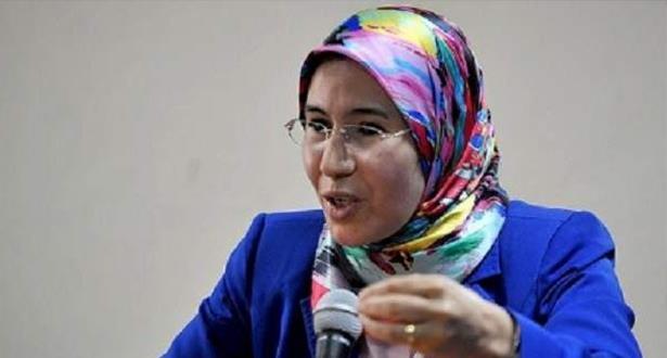 Nezha El Ouafi souligne la nécessité d'élaborer une feuille de route pour une politique culturelle unifiée et intégrée pour les MRE