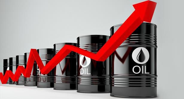 ارتفاع أسعار النفط بفعل تراجع مخزون الخام الأمريكي وتصريحات من أوبك