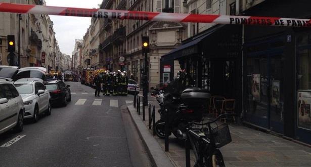 فرنسا.. اعتقال شخص احتجز رهينتين في باريس
