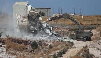 إصابة عدد من الفلسطينيين في اعتداء لقوات الاحتلال جراء عملية هدم منازل بالقدس المحتلة
