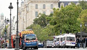 سائق سيارة يدهس شرطيين في باريس في هجوم متعمد