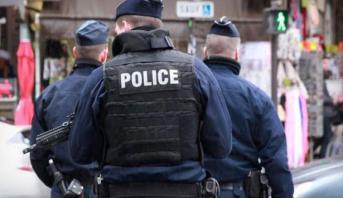 """السلطات الفرنسية تعلن """"تحييد"""" شخص هدد الشرطة بالسلاح الأبيض قرب باريس"""