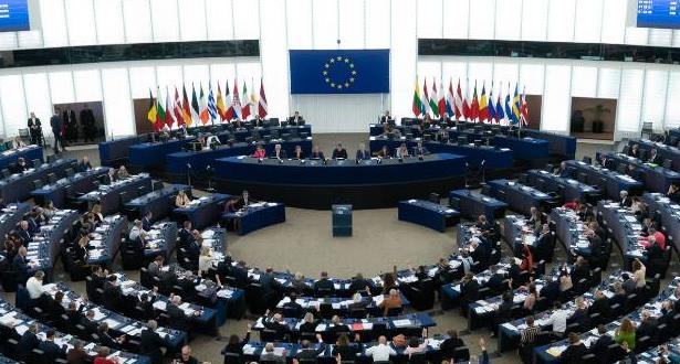 البرلمان الأوروبي يؤيد تغريم شركات الإنترنت إذا لم تحذف المحتوى المتطرف سريعا