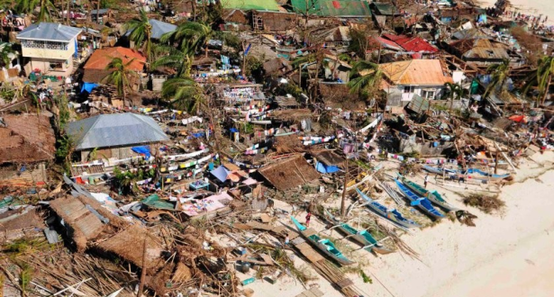 Philippines: au moins 16 morts suite au passage du typhon Phanfone