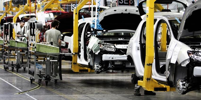 Automobile: renforcement des mesures de sécurité sanitaire pour le redémarrage progressif de l'activité industrielle