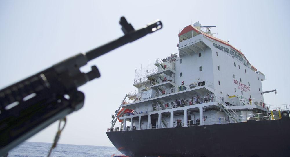 Saisie par Téhéran d'un pétrolier britannique: l'UE appelle à la retenue afin d'éviter de nouvelles tensions