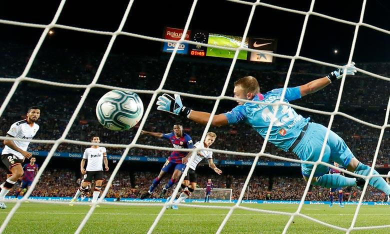 Liga : première défaite pour l'entraîneur Setién avec Barcelone, à Valence