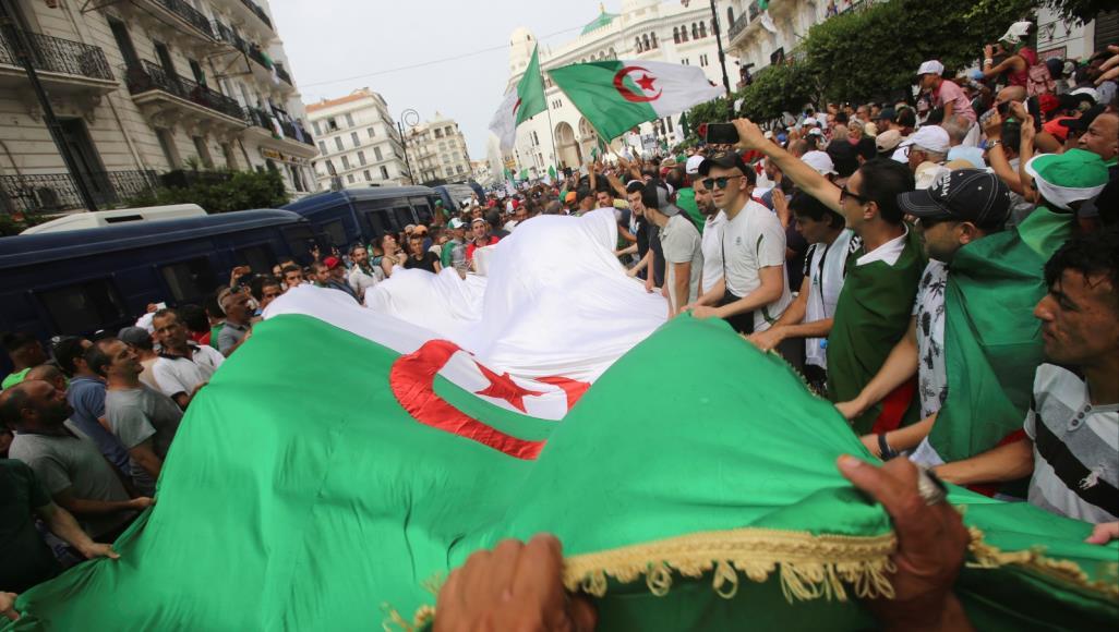 تحليل .. حراك مستمر من أجل التغيير الشامل في الجزائر
