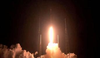 SpaceX lance 60 mini-satellites supplémentaires pour une couverture mondiale d'internet