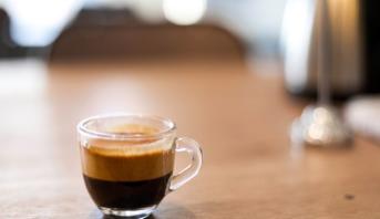 Les buveurs de café moins exposés au cancer du foie