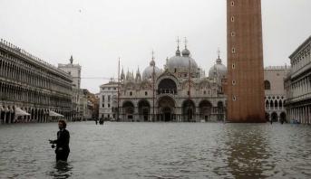 Intempéries dans le nord de l'Italie, Venise submergée à nouveau par la marée