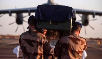 Le corps des militaires tués au Mali rapatriés en France